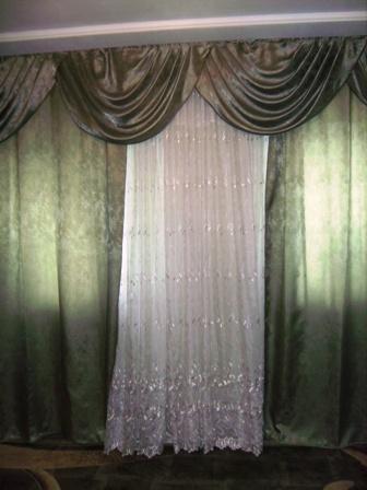 Комната сделана в классическом стиле и поэтому я выбрала для нее шторы с ламбрекеном.  11 мая 2009.  4 коммент.